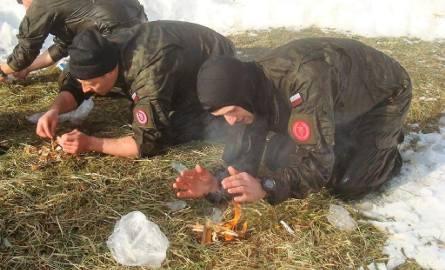 Zimowe szkolenie Podhalańczyków w Bieszczadach [FOTO]