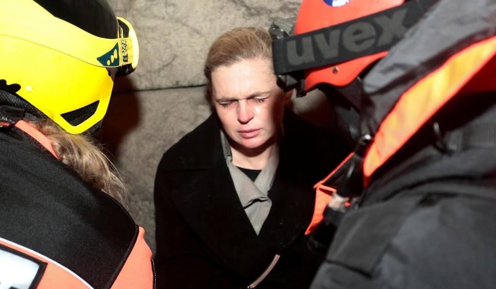 """Film do artykułu: Barbara Nowacka została potraktowana gazem przez policjanta. """"Cały czas trzymałam w ręku legitymację poselską"""""""