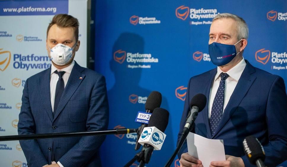 """Film do artykułu: Koalicja Obywatelska krytykuje realizację szczepień. """"Oprzyjmy program o POZ-ty"""" - proponuje"""