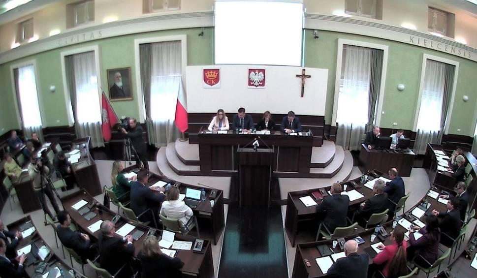 Film do artykułu: W czwartek, 24 stycznia o godzinie 9, sesja Rady Miasta w Kielcach [TRANSMISJA NA ŻYWO]