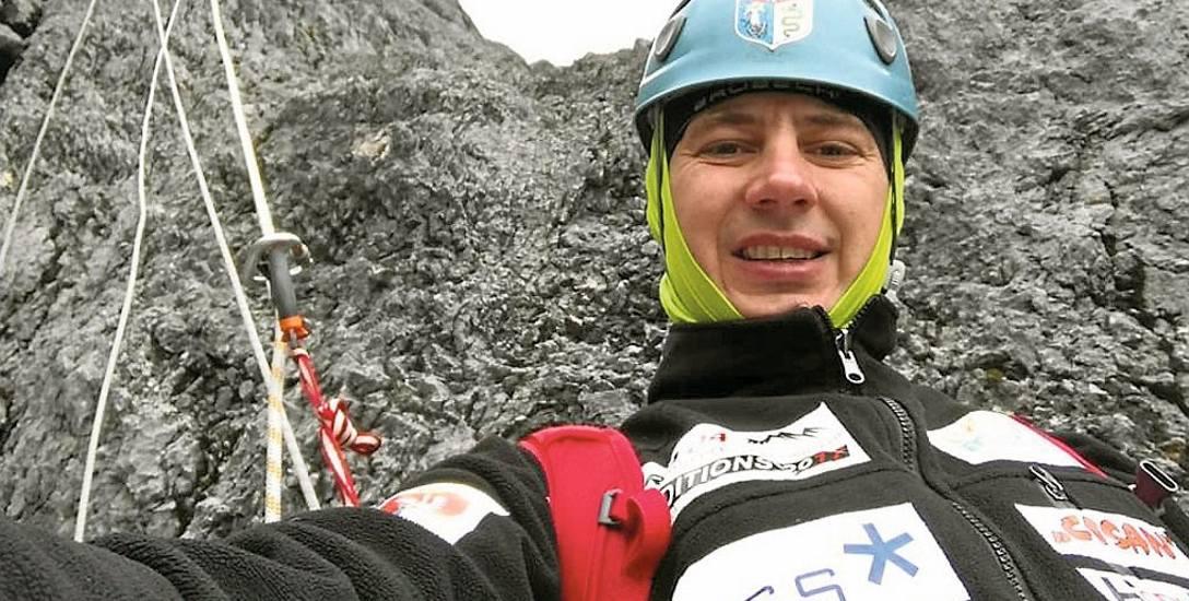 Łukasz Łagożny w drodze na Puncak Jaya. To był siódmy szczyt z dziewięciu tworzących Koronę Ziemi. Kolejne wyprawy planuje w 2018 i 2019 roku.