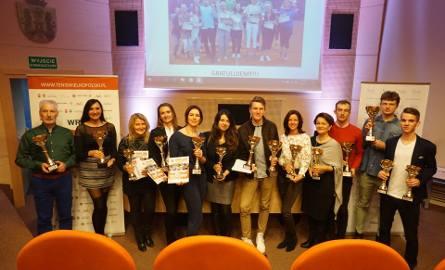 Laureaci pierwszej edycji Wielkopolskiego Rankingu Tenisowego podczas uroczystego podsumowania