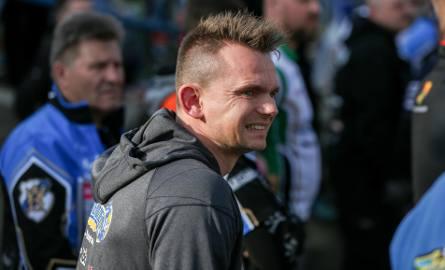 Krzysztof Cegielski mieszka pod Krakowem, jest mężem koszykarki Wisły Justyny Żurowskiej-Cegielskiej. Niedawno urodziła im się córka
