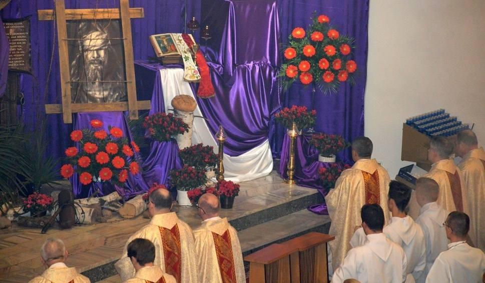 Film do artykułu: Wielki Czwartek rozpoczął rozważania męki, śmierci i zmartwychwstania Jezusa