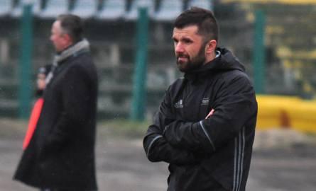 Nad Stalą Stalowa Wola i trenerem Rafałem Wójcikiem po porażce 2:6 z Olimpią Zambrów zebrały się czarne chmury.