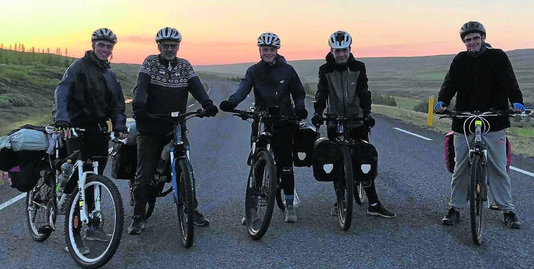 W piątkę na rowerach przez dziesięć dni objechali dookoła całą Islandię