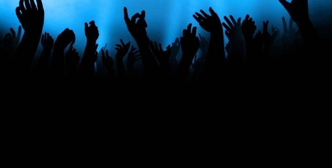 """""""... nożem Tuska"""". Skandaliczne słowa pracownicy sądu w Szczecinie na koncercie z udziałem neonazistów"""
