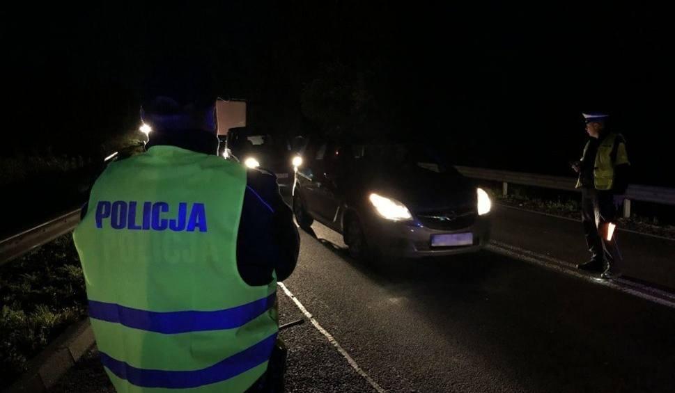 """Film do artykułu: Jaworzno: Policyjna akcja """"Dyskoteka"""". W nocy zbadano 1300 kierowców WIDEO + ZDJĘCIA"""