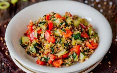 TOP 10 tanich, szybkich obiadów. Te dania przygotujesz w mniej niż godzinę. Zobaczcie sprawdzone przepisy naszych Czytelników.