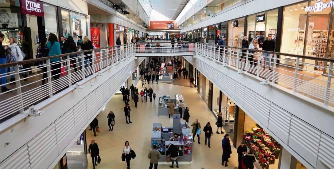 Czy centra handlowe i hipermarkety przeżyją dzisiaj szturm klientów?
