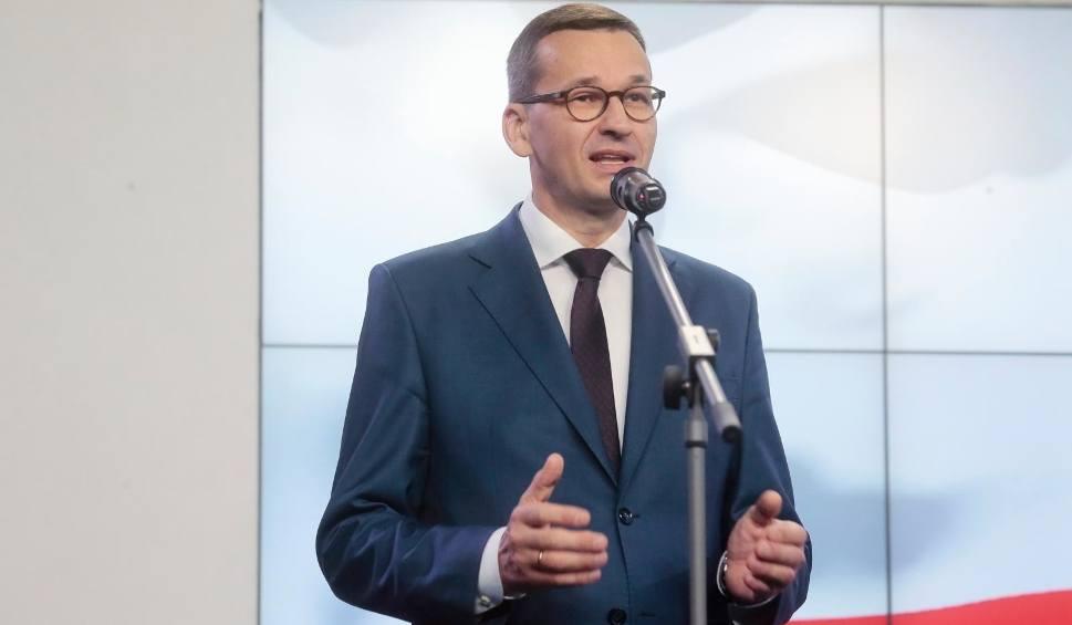 Film do artykułu: Koronawirus w Polsce: Od 15 października wracają godziny dla seniorów w sklepach. Nie będzie nauki zdalnej