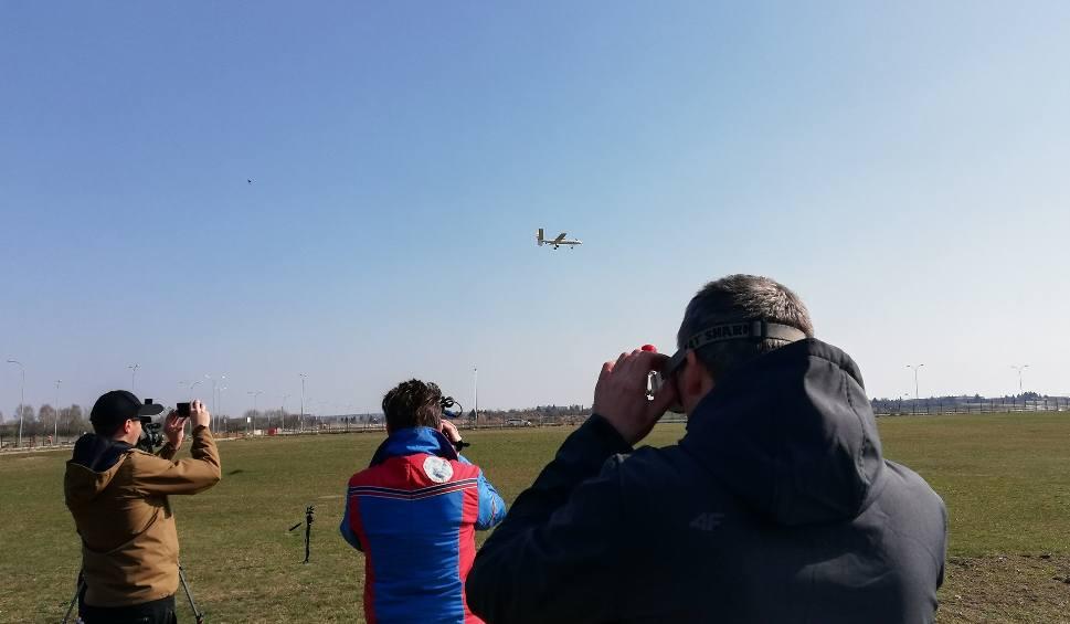 Film do artykułu: Wsparli WOŚP i polecieli pod samo niebo! Fly Away z nowym samolotem [ZDJĘCIA i WIDEO]