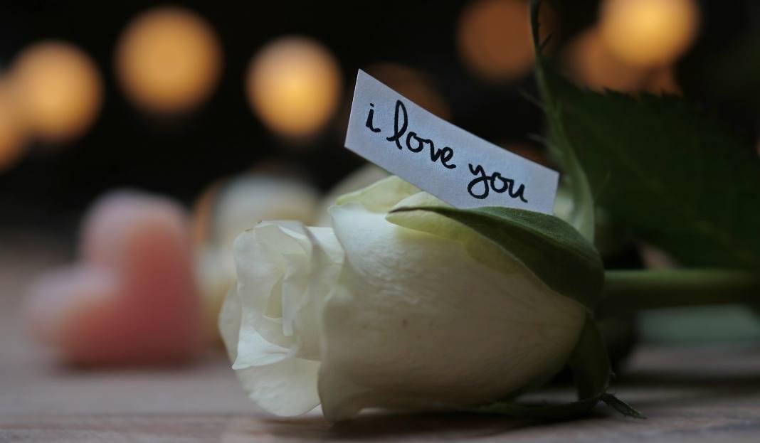 WIERSZYKI NA WALENTYNKI: Wierszyki Na Walentynki. Życzenia SMS [KRÓTKIE