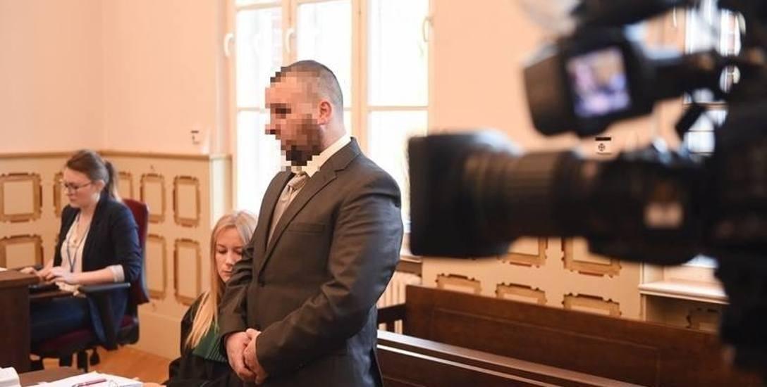 Bartosz D. z Chełmży za skatowanie psa Fijo skazany został 1,5 roku więzienia. W styczniu ruszy apelacja
