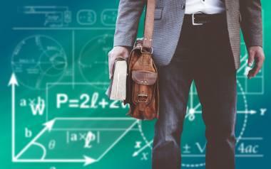 """Blisko 900 nauczycieli w regionie """"składa"""" etat w kilku szkołach. Rekordzista - w sześciu"""