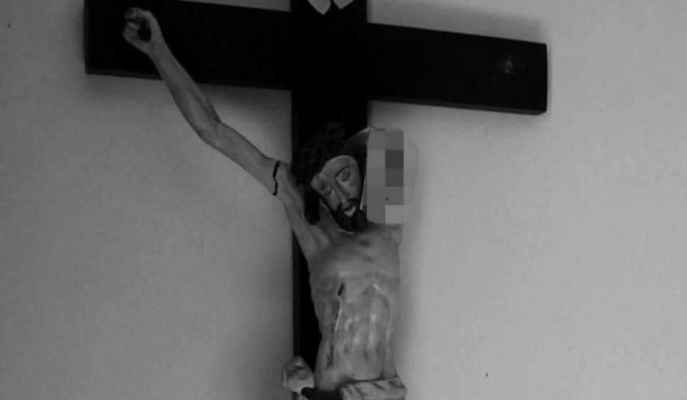 Film do artykułu: Posiekali maczetą Jezusa na krzyżu w kościele św. Dominika w Nysie