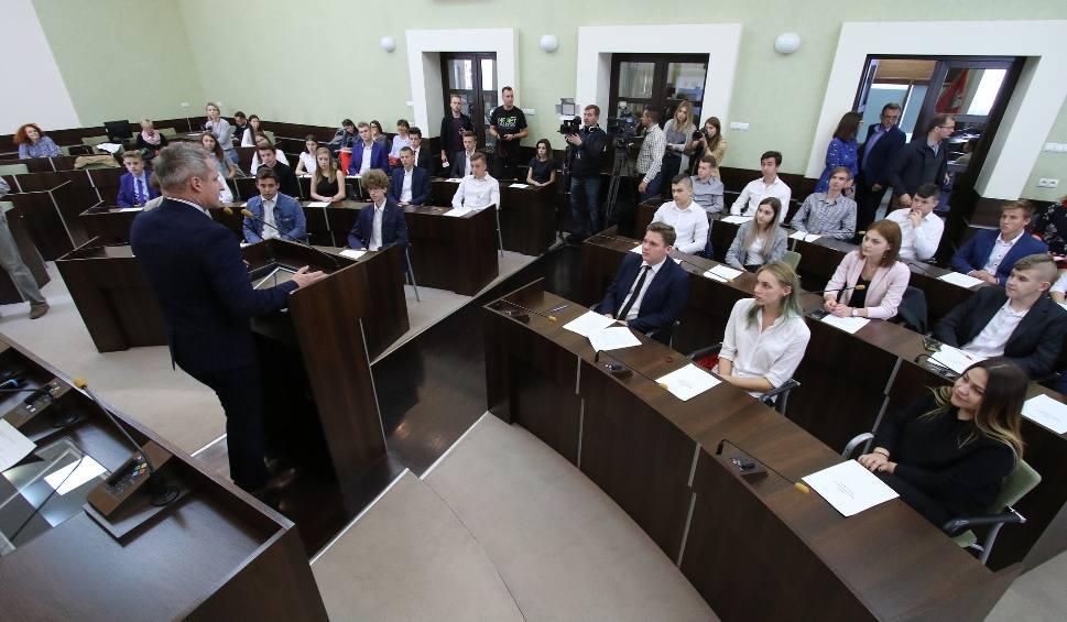 Film do artykułu: W Kielcach powstała Młodzieżowa Rada Miasta. Odbyła się jej pierwsza sesja (WIDEO, zdjęcia)