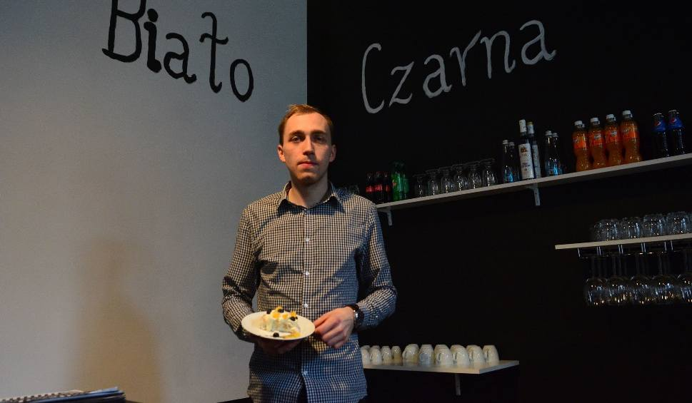 Film do artykułu: Białoczarna to nowa kawiarnia w centrum Radomia. Można tam zjeść też smaczny lunch