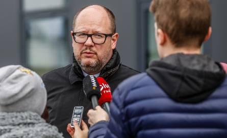 Proces Pawła Adamowicza się przedłuży. Kolejni członkowie rodziny milczą przed sądem