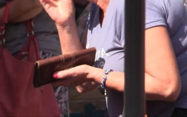 """Kobieta została oszukana przez """"biznesmena"""" na ponad 100 tys. zł. Otrzymała wsparcie, które pomogło jej wyjść z dołka"""