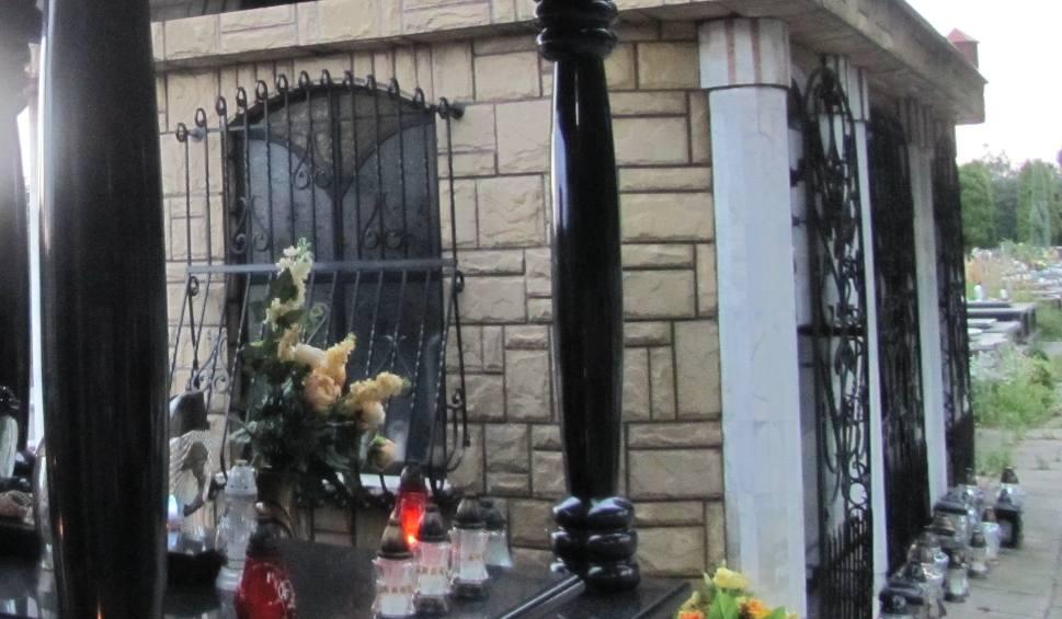 Film do artykułu: Skandal w Kętach. Urządzili libację na cmentarzu