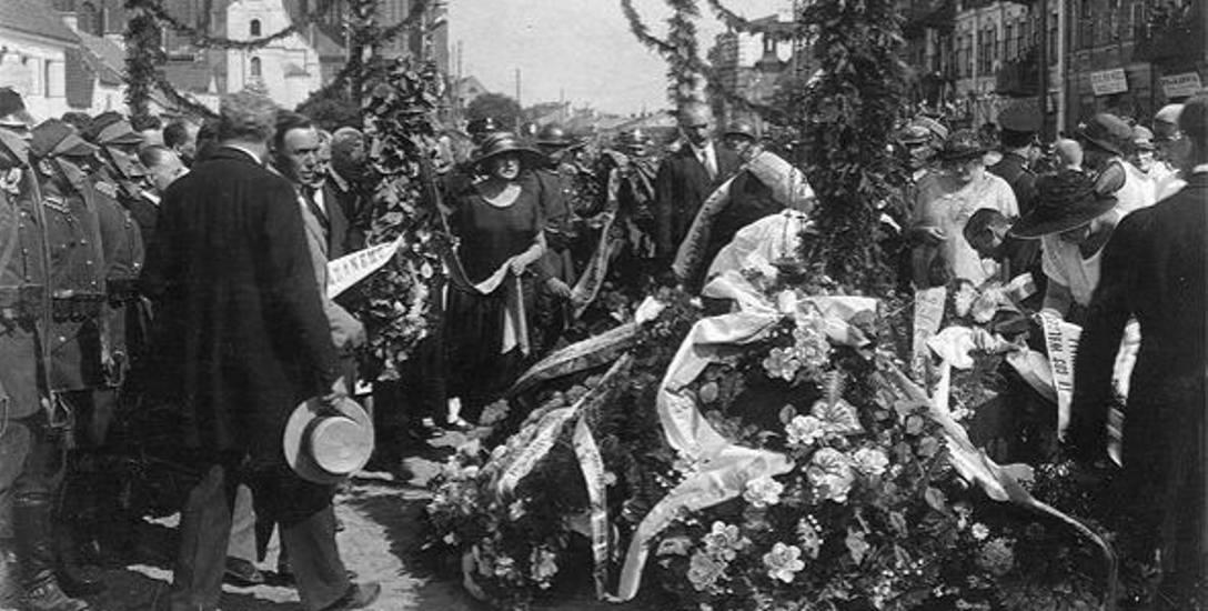 Jadwiga Klimkiewiczowa (1876-1952) była jedną z pierwszych radnych miejskich. Na zdjęciu podczas uroczystości miejskich w 1925 r. Ze zbiorów Tadeusza