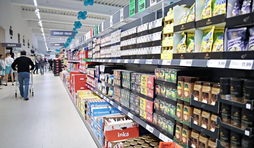 Film do artykułu: Wielka Sobota - 20.04.2019. Do której będą otwarte sklepy: Lidl, Biedronka, Netto, Aldi, Żabka, Tesco, Auchan, Focus Mall, Ascana?