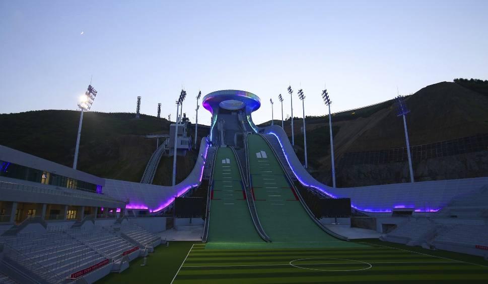 Film do artykułu: Obiekty w Zhangjiakou, na ZIO w 2022 roku, są już gotowe. Imponująco prezentuje się kompleks skoczni narciarskich