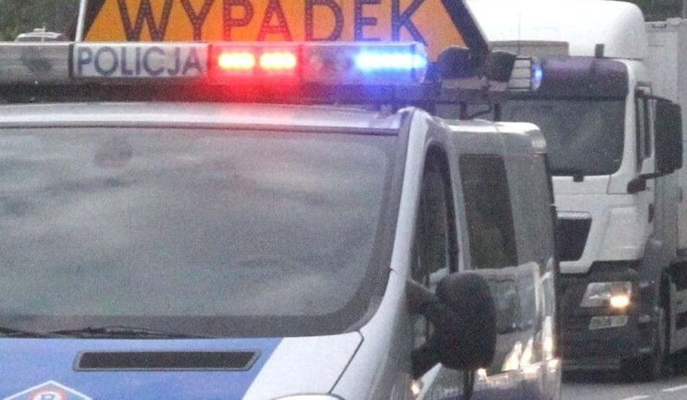 Film do artykułu: Wypadek z radiowozem w Pińczowie. Policjanci ranni