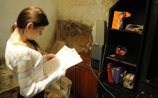 Lokatorzy z Łęgnowa mieli grzyb na wszystkich ścianach.