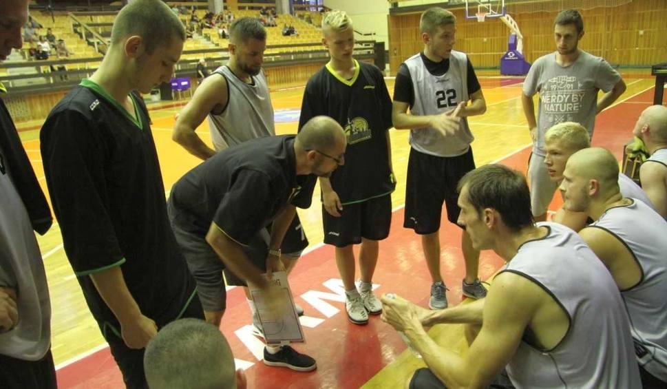 Film do artykułu: Koszykarze Siarki wygrali 18.Memoriał Kazimierza Wacławczyka i Witolda Kusia