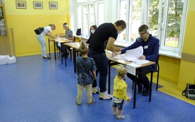 Wybory prezydenckie w Toruniu i regionie. W nocy wyniki z lokalnych komisji wyborczych