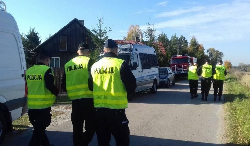 Film do artykułu: Policja nadal szuka 70-latka z gminy Wieniawa. Wyszedł z domu na grzyby i zaginął