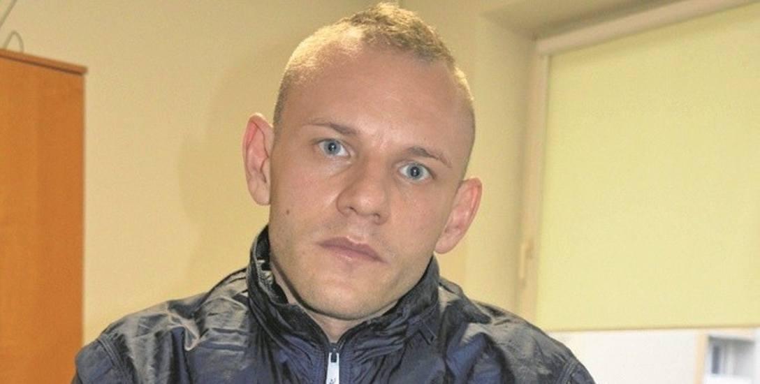 Tomasz Kaleta chce 100 tys. złotych za wybuch e-papierosa