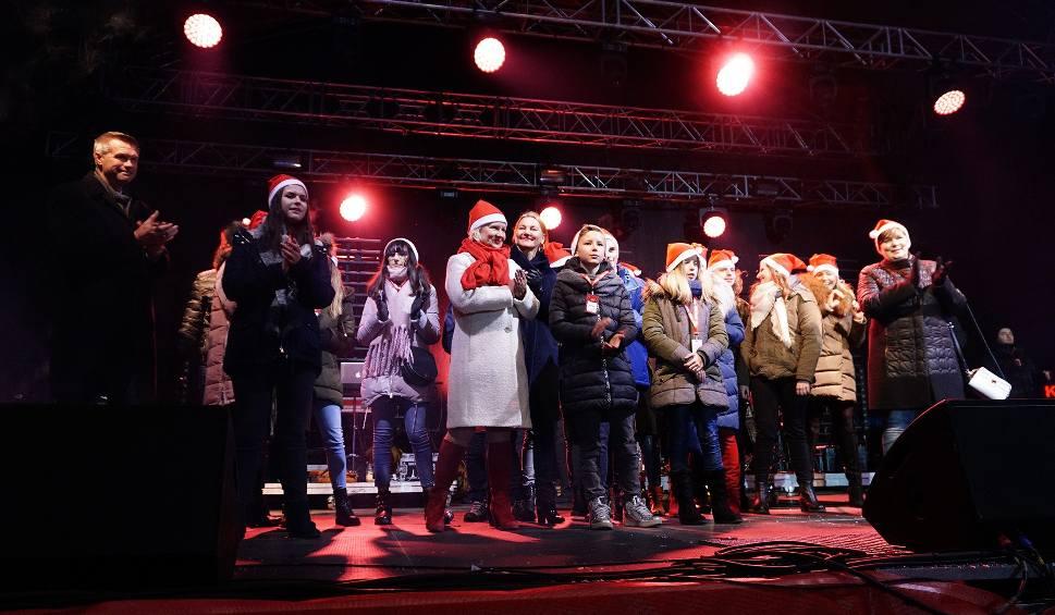 Film do artykułu: Świąteczna piosenka z Kielc. Prezydent wyśle ją w świat! Posłuchaj [WIDEO]