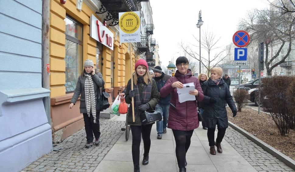 Film do artykułu: Radom. Tam gdzie przebywała Elżbieta Jackiewiczowa-kolejny udany Spacer Literacki z Miejską Biblioteką Publiczną