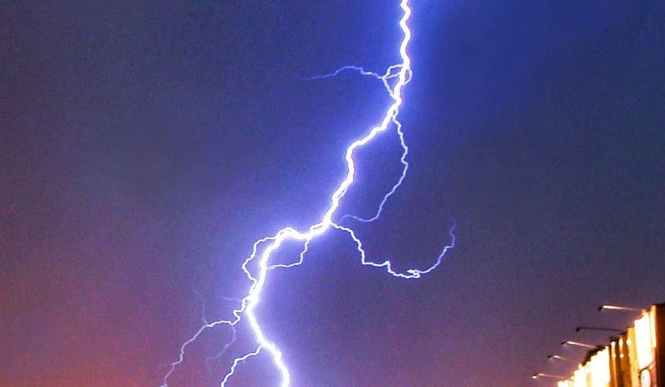 Film do artykułu: Gdzie jest burza dziś 12.11.2018? Kiedy będzie burza? Sprawdź na interaktywnej mapie [RADAR OPADÓW i BURZY, MAPA BURZOWA, MAPA BURZY ONLINE]