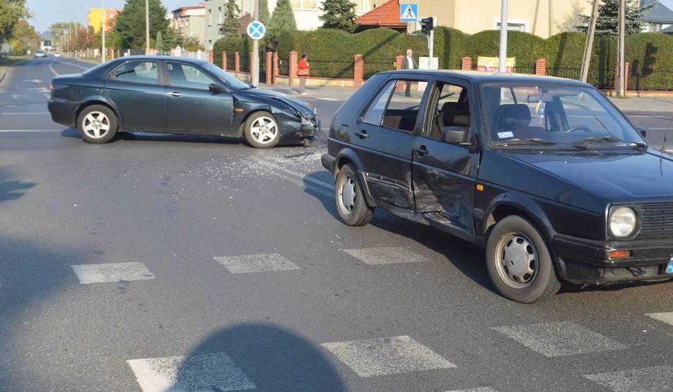 Film do artykułu: Wypadek na skrzyżowaniu Ostrowska - Barska we Włocławku [wideo, zdjęcia]