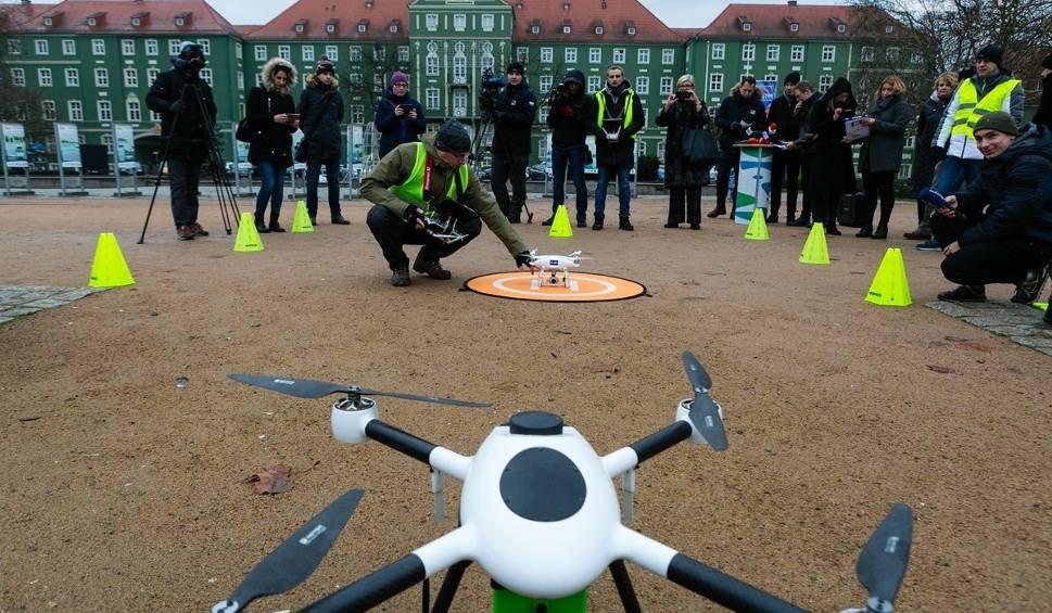 Film do artykułu: Specjalne drony będą szukać smogu w Szczecinie [ZDJĘCIA, WIDEO]