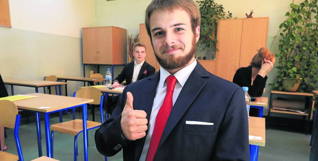 W V LO przy ul. Sienkiewicza maturę z matematyki zdawał wczoraj także humanista Kornel Mederowski