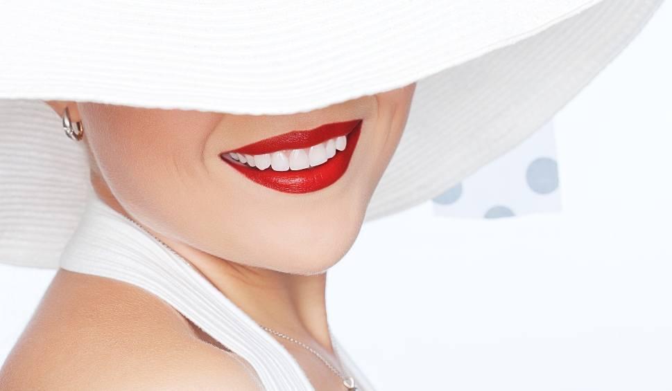 Film do artykułu: Pielęgnacja dojrzałych zębów. Stomatolodzy przekonują, że na poprawę zdrowia i wyglądu zębów nigdy nie jest za późno