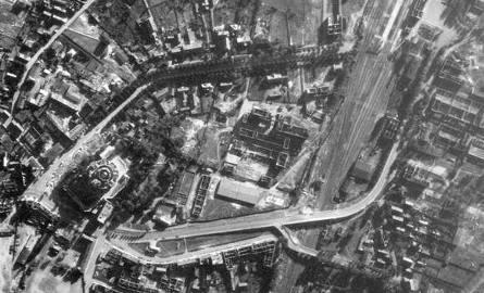 Na zdjęciu wycinek zdjęcia lotniczego Białegostoku, bez trudu można rozpoznać kościół św. Rocha. Fotografia została zrobiona o 16.05.