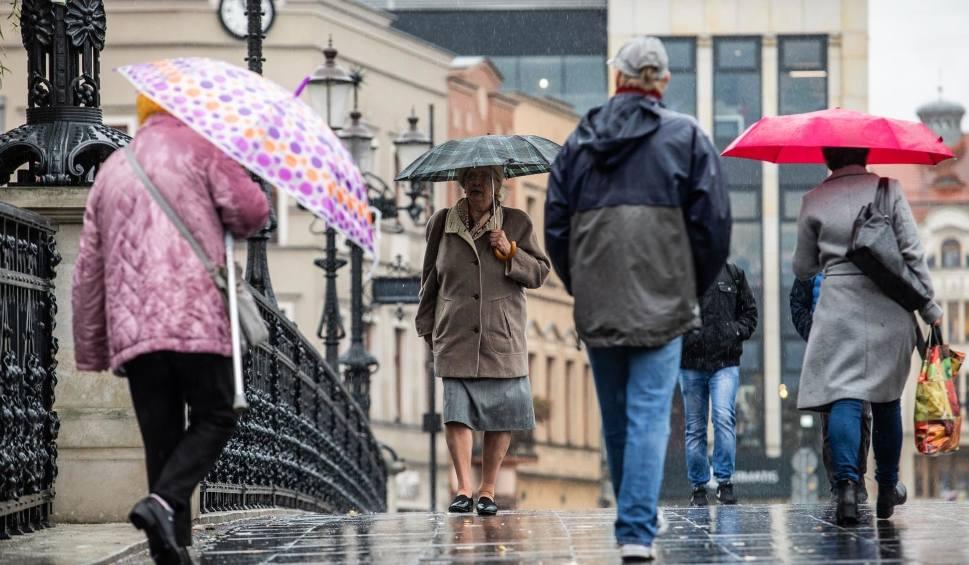 Film do artykułu: Pogoda w Łodzi i regionie na piątek 26 października. Sprawdź pogodę dla Polski i województwa łódzkiego na weekend