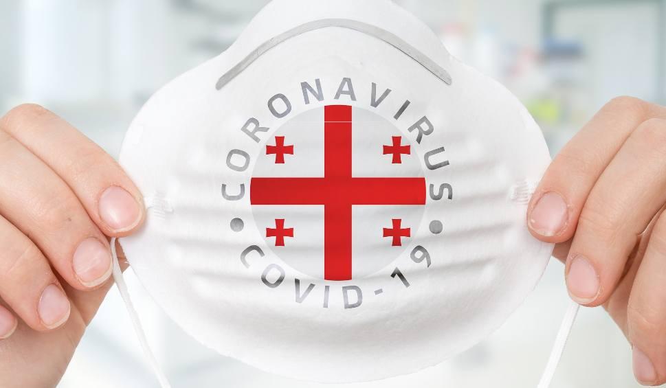 Film do artykułu: Koronawirus w Polsce: ponad 400 nowych zakażeń. Przybyło 113 chorych w regionie. Zmarli kolejni pacjenci w szpitalach na Śląsku