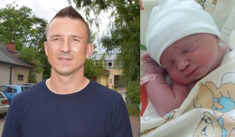 Film do artykułu: Znany piłkarz z Kielecczyzny po raz trzeci został tatą. Ma córeczkę Igę