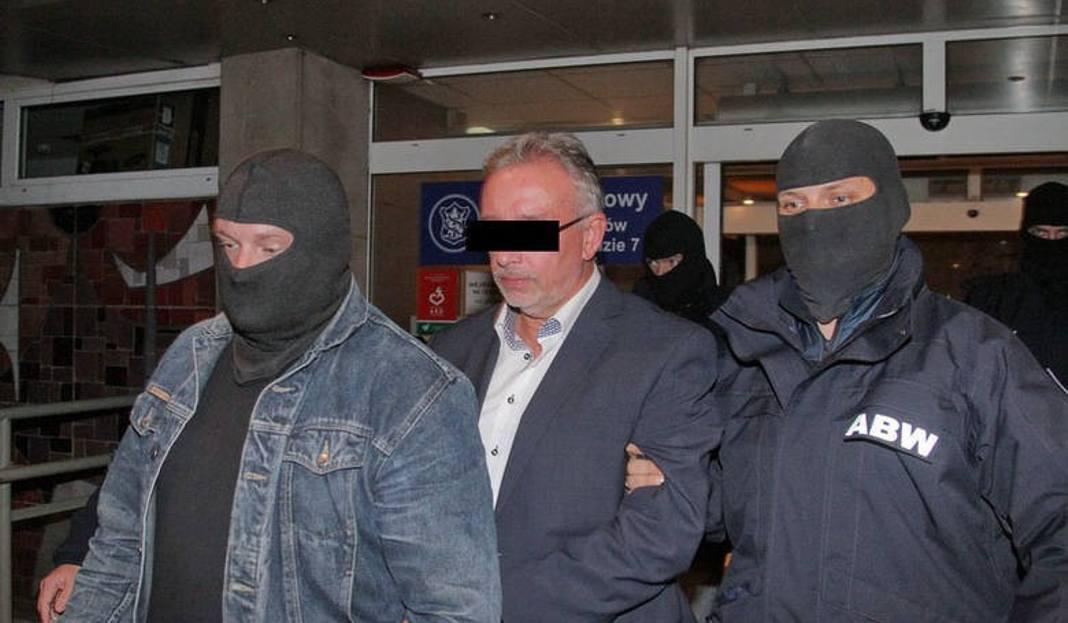 W Pitek Pnym Wieczorem Prezydent Trafi Do Aresztu