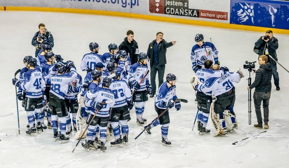 Film do artykułu: Automatyka Gdańsk zostaje w hokejowej elicie! Po raz czwarty pokonała Naprzód Janów [ZDJĘCIA]