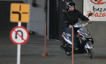 14-letni Sebastian Kuś z Suchedniowa ma już skuter więc marzył o zdobyciu uprawnień do jego prowadzenia. – Wcale nie było trudno – mówił po zdanym e
