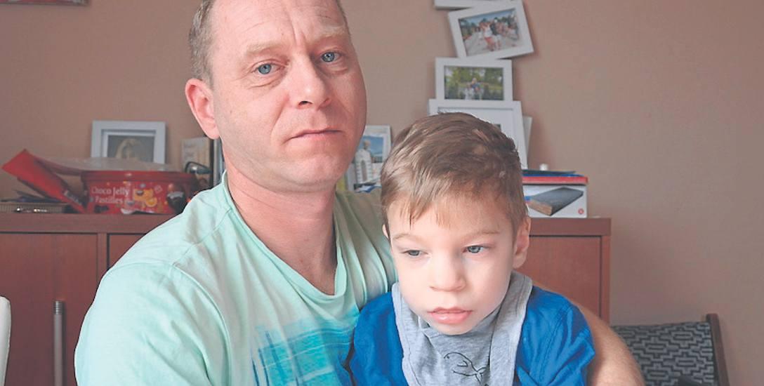 - Z Kacprem i Olkiem ( na zdjęciu) od zawsze tworzymy rodzinę- mówi Tomasz Szymczak