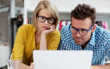 Zostań w domu i ucz się online. Które kursy nie będą stratą twojego czasu i pieniędzy?